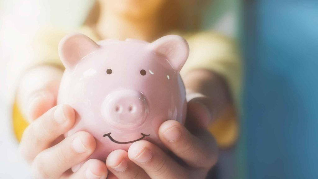 Cofre rosa de porquinho investimento